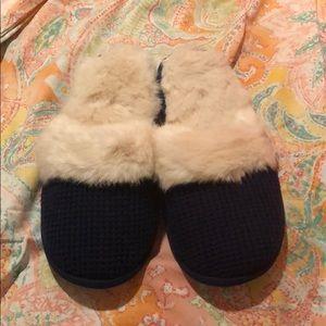 Victoria's Secret Navy Knit Furry Slippers Large L